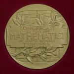 Primera mujer con el máximo galardón en matemáticas, la medalla Field